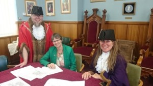 Molly meets the Mayor and deputy Mayor of Glastonbury Town Council